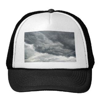 Nubes de tormenta gorros bordados