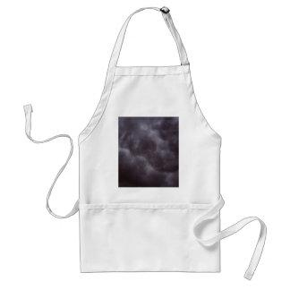 Nubes de tormenta oscuras delantal