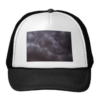 Nubes de tormenta oscuras gorras