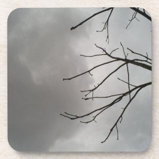 Nubes de tormenta oscuras posavaso