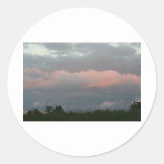 Nubes de tormenta pegatina redonda