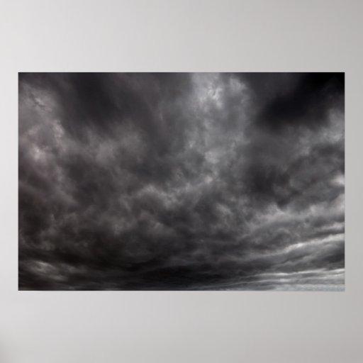 Nubes de tormenta póster