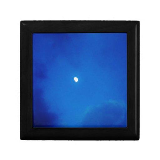 Nubes del azul de la Luna Llena Cajas De Recuerdo