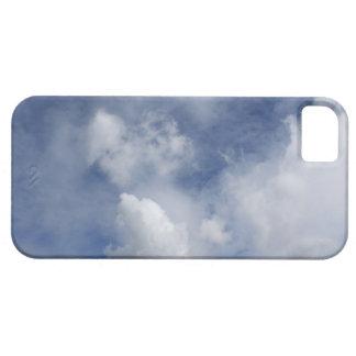 nubes del blanco del cielo azul y del algodón iPhone 5 fundas