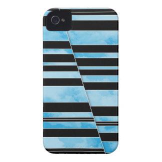 Nubes divididas - caja intrépida de Blackberry Case-Mate iPhone 4 Carcasa
