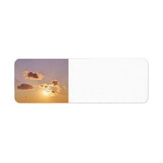 Nubes divinas etiqueta de remitente