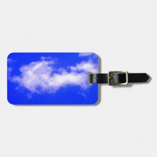 Nubes elegantes y etiquetas limpias del bolso del  etiquetas bolsas