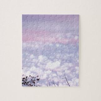 Nubes en colores pastel de la tarde del otoño puzzles