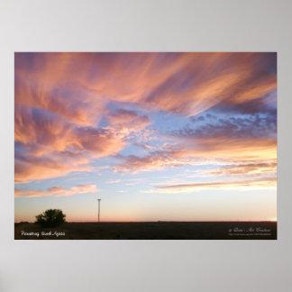 Nubes en colores pastel en el cielo póster