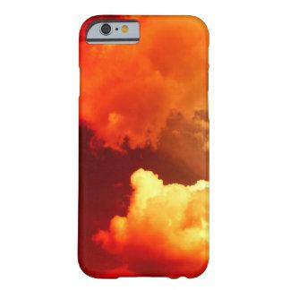 NUBES EN EL CIELO ROJO FUNDA DE iPhone 6 BARELY THERE