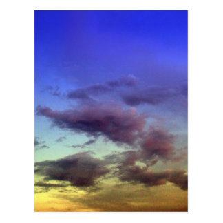 Nubes en las postales de la puesta del sol