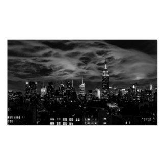 Nubes etéreas: Horizonte de NYC, edificio BW del Tarjeta De Visita