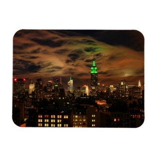 Nubes etéreas: Horizonte de NYC, edificio del esta Imanes