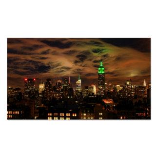 Nubes etéreas: Horizonte de NYC, edificio del Tarjeta De Visita