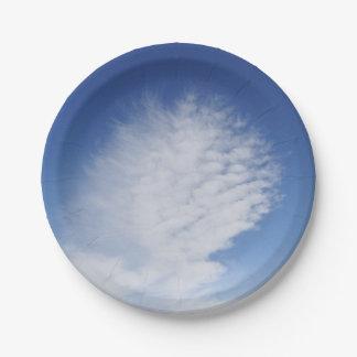 Nubes hermosas de la placa de papel platos de papel