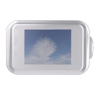 Nubes hermosas del molde para pasteles