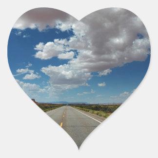 Nubes largas/largo camino pegatina en forma de corazón