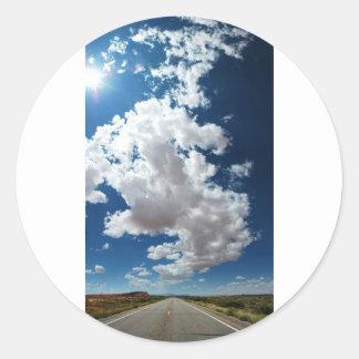 Nubes largas/largo camino pegatina redonda