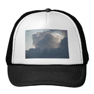 Nubes majestuosas gorra