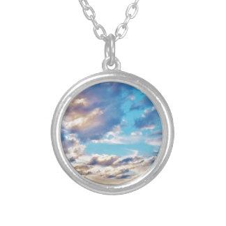 Nubes meridionales colgante redondo