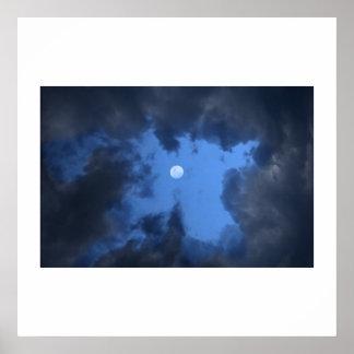 nubes místicas póster