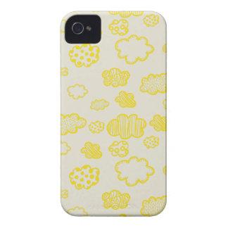 Nubes mullidas del amarillo del caramelo de carcasa para iPhone 4