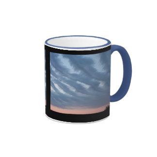 Nubes plumosas taza