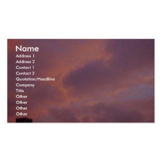 Nubes rosadas en la puesta del sol plantillas de tarjetas personales