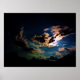 Nubes siniestras póster