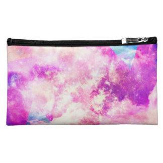 Nubes soñadoras de la nebulosa púrpura azul rosada