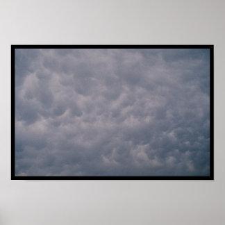 Nubes turbulentas póster
