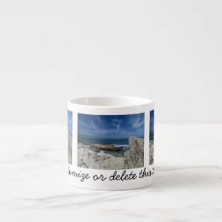 Nubes Wispy sobre las rocas; Personalizable Taza Espresso