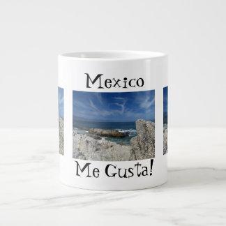 Nubes Wispy sobre las rocas; Recuerdo de México Taza Grande