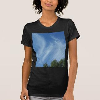 Nubes y árboles camisetas