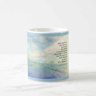 Nubes y carretera del rezo de la serenidad taza