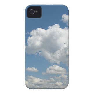 Nubes y verde Case-Mate iPhone 4 protector