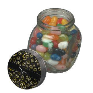Nudillos de cobre amarillo negros conocidos jarras de cristal