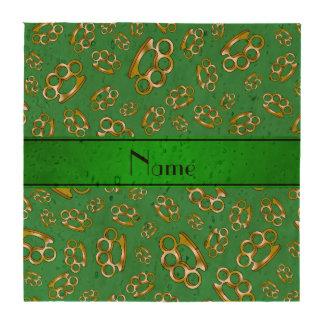Nudillos de cobre amarillo verdes conocidos person posavasos