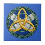 Nudo céltico de la trinidad azulejo