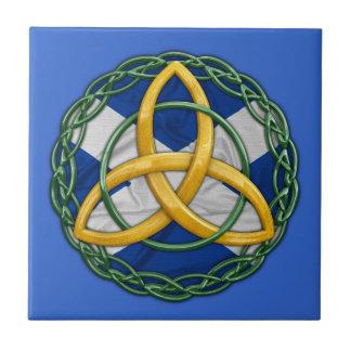 Nudo céltico de la trinidad azulejo cuadrado pequeño