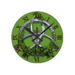 Nudo céltico de la trinidad del cromo relojes de pared