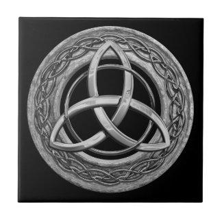 Nudo céltico de la trinidad del metal azulejo cuadrado pequeño