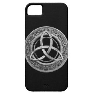 Nudo céltico de la trinidad del metal iPhone 5 fundas