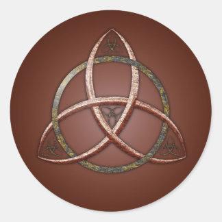 Nudo céltico de la trinidad etiquetas redondas
