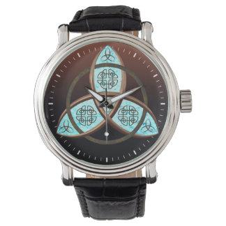 Nudo céltico de la trinidad reloj de mano