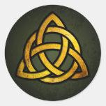 Nudo céltico de Triquet (oro y negro en verde del  Etiqueta