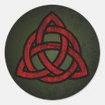 Nudo céltico de Triquet (rojo y negro en verde del Pegatinas Redondas