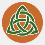 Nudo céltico de Triquet (verde y blanco) Etiqueta Redonda