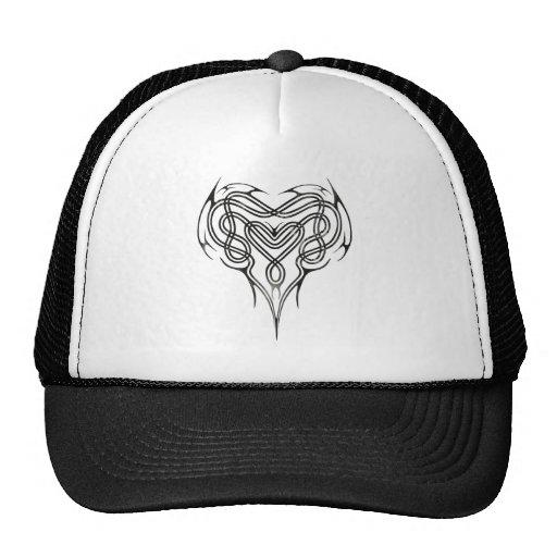 Nudo céltico del corazón del metal gorra