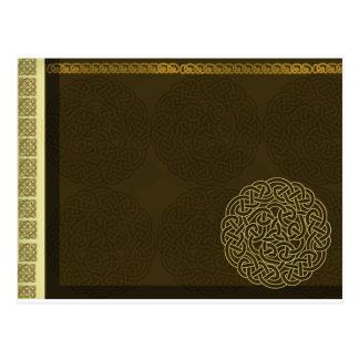 Nudo céltico en marrón oscuro con acento del oro postales